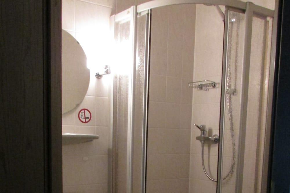 Kamar Twin Basic - Kamar mandi