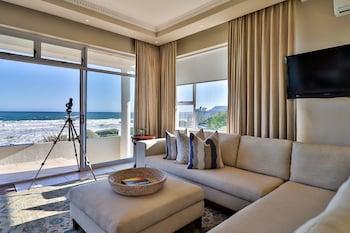 תמונה של Hermanus Beachfront Lodge בהרמנוס