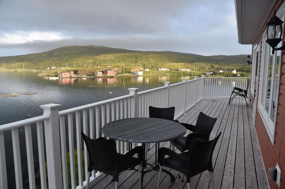 Panoramic Suite, 1 King Bed, Balcony, Oceanfront - Bathroom