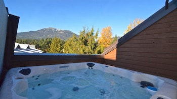 Picture of Whistler Blackcomb VR Hearthstone Lodge in Whistler