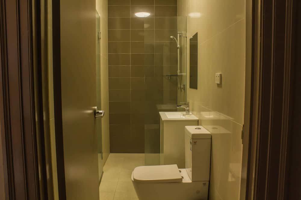 Tweepersoonskamer, gemeenschappelijke badkamer - Badkamer