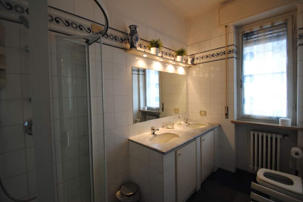 Double or Twin Room, Private Bathroom (external) - Bathroom