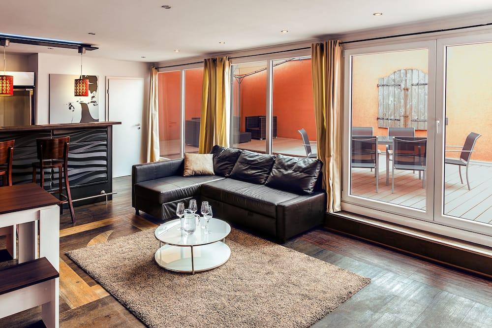 إستديو ديلوكس - غرفة نوم واحدة - بشرفة (Sauna 25€ per day) - منطقة المعيشة