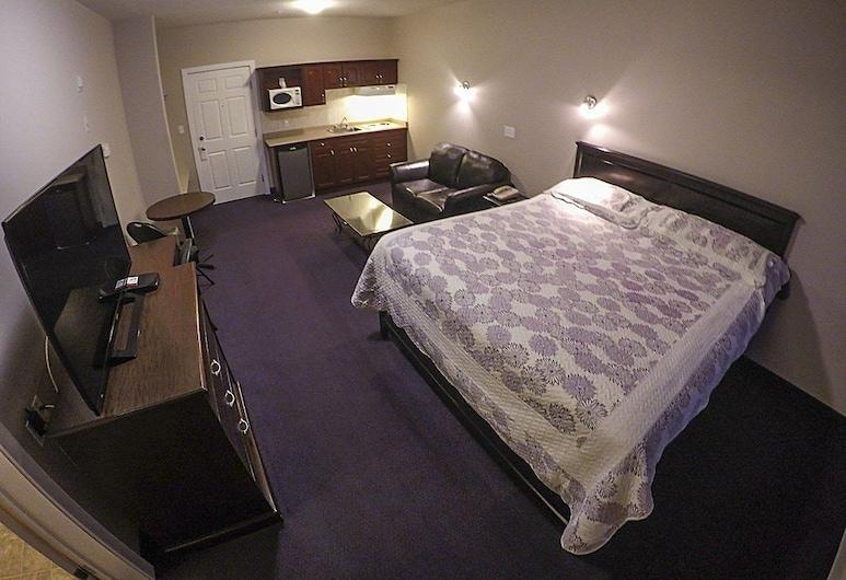 Westwood Inn, Drayton Valley, Apartament typu Deluxe Suite, Łóżko king, kuchnia, Pokój