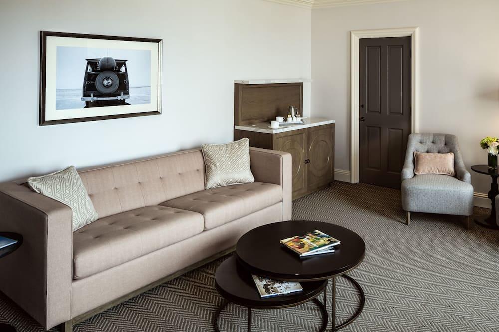 Apartment (Happy Room) - Living Area