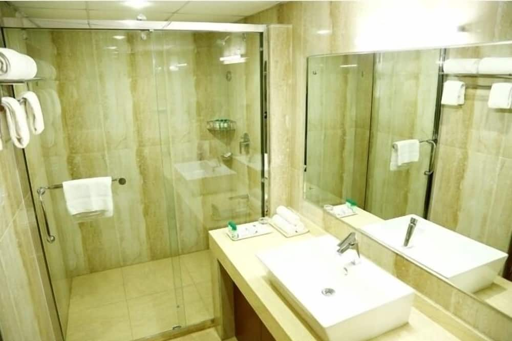 Club-Zimmer, 1 Schlafzimmer, Nichtraucher, Stadtblick - Badezimmer