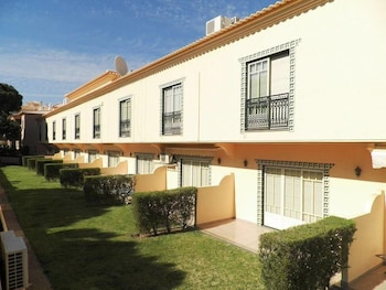 Picture of Bicos Beach Apartments By Albufeira Rent in Albufeira