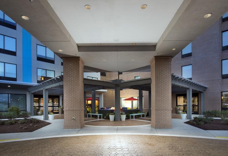 Home2 Suites by Hilton Murfreesboro, מרפריסבורו, הכניסה למלון