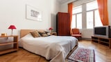 Choose this Apartment in Budapest - Online Room Reservations