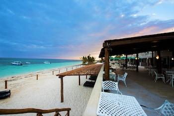 Picture of Hacienda Morelos Beach Front Hotel in Puerto Morelos