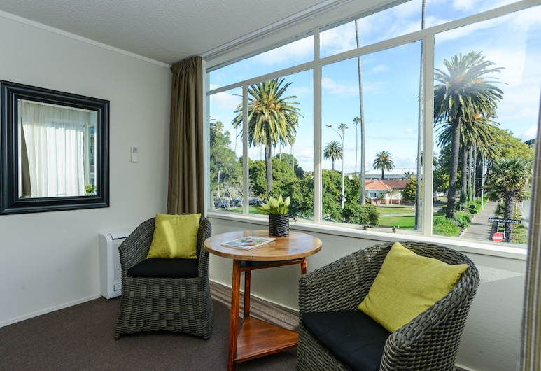 expressotel, Napier, Studio, 1 Queen Bed, Park View, Guest Room