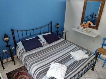 Picture of Seafarer's Suite in Delphi