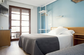 Picture of Apartamentos Sabinas Don Jaime in Zaragoza