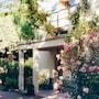 Idyllic Garden flat