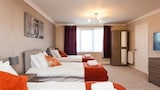 Choose this Apartment in Crawley - Online Room Reservations