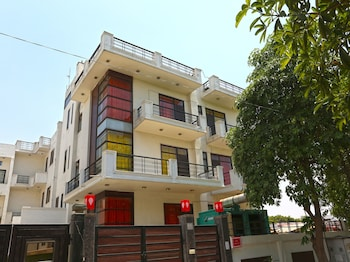 Picture of OYO Rooms Noida Expressway NSEZ in Noida