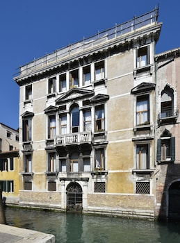 Picture of Santa Maria Formosa Apartments in Venice