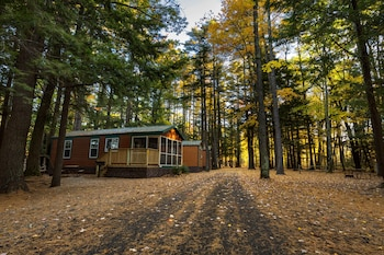 Cabins In Saco