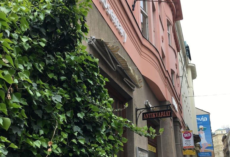 Hostel Rosemary, Прага, Фасад отеля