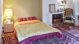 Reserve this hotel in Entrecasteaux, France