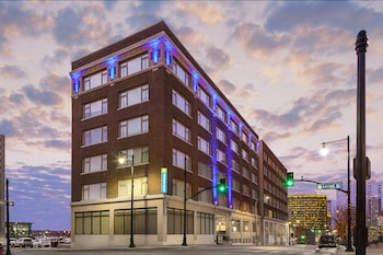 Picture of Holiday Inn Express Kansas City Downtown in Kansas City