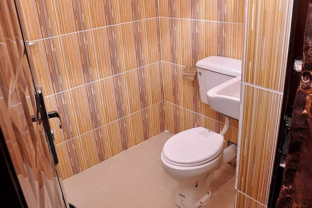 ห้องคลาสสิก, เตียงใหญ่ 1 เตียง - ห้องน้ำ
