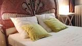 Hotel , Aramon