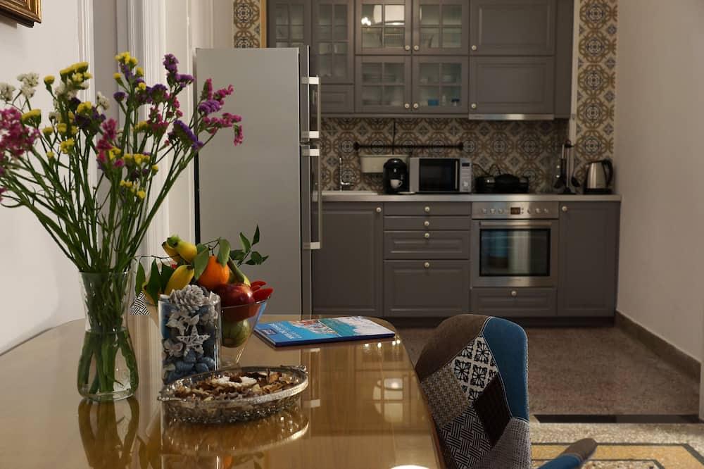 Розкішні апартаменти, 2 спальні (Evropi) - Обіди в номері