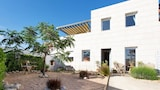Book this Parking available Hotel in Sete
