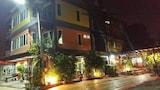 Hotel , Trang