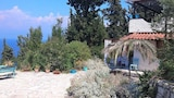 Choose This 3 Star Hotel In Paxos