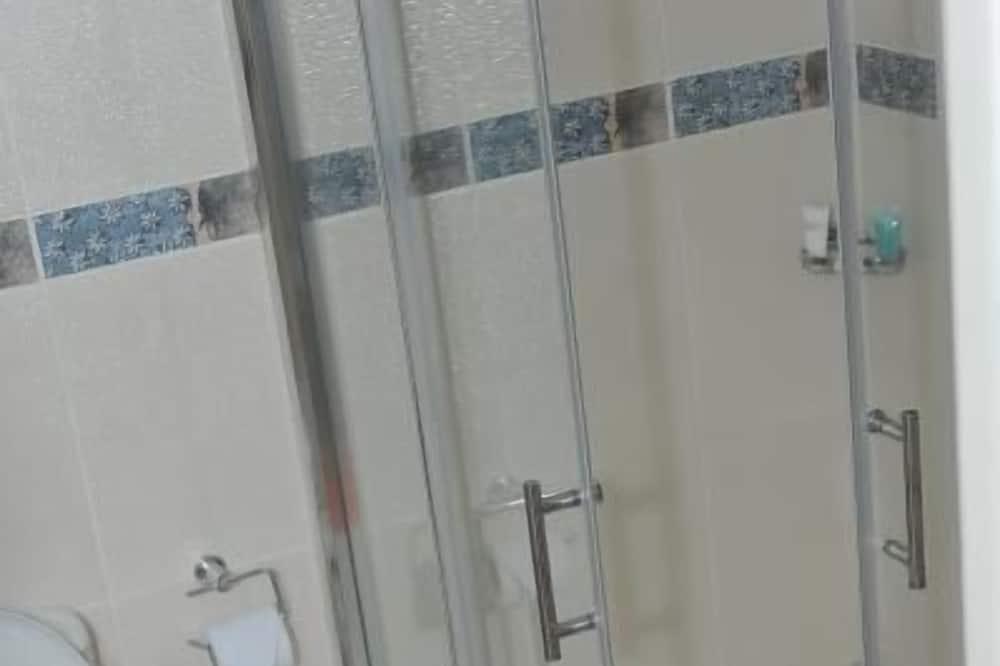 Номер-люкс - Ванна кімната