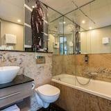 豪華三人房 - 浴室