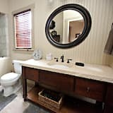 House (Das Solheid Sunday) - Bathroom