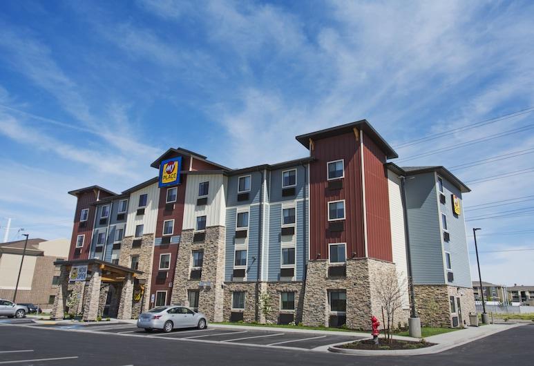 My Place Hotel-Marquette, MI, מרקט, חזית המלון