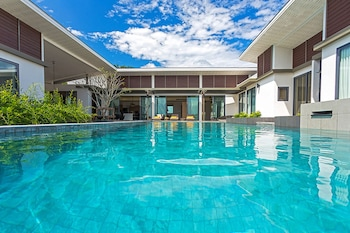 Picture of CasaBay Luxury Pool Villa in Rawai