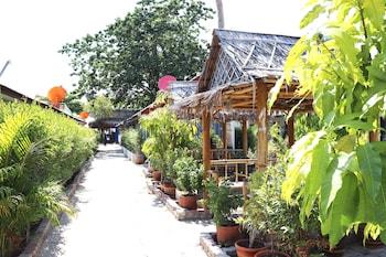 Picture of Lanta Darawadee Resort in Ko Lanta