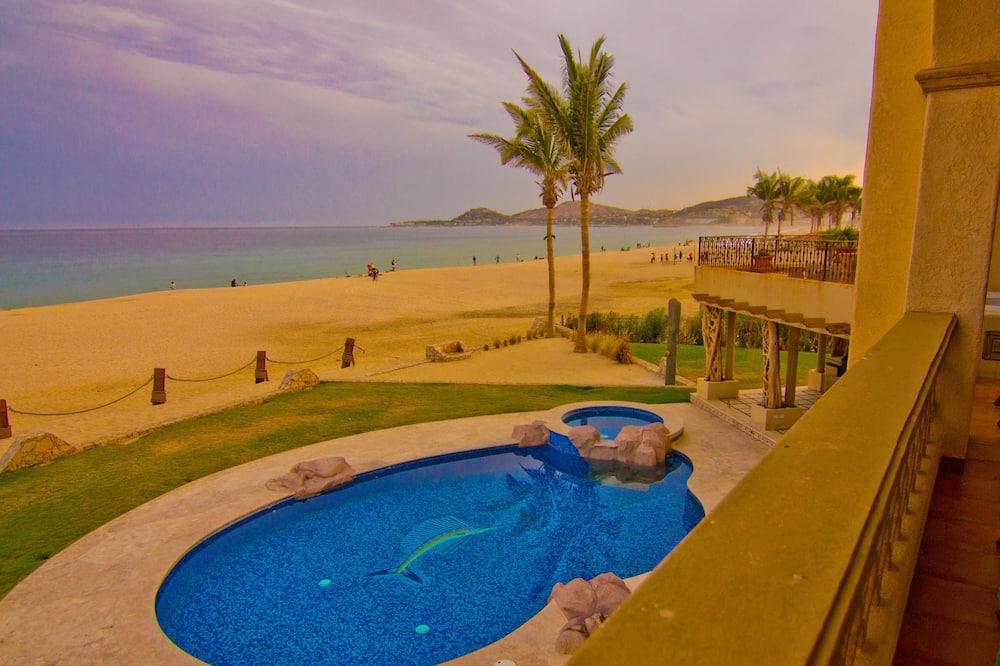 Design lakás, 2 hálószobával, kilátással az óceánra, tengerre néző - Kültéri medence