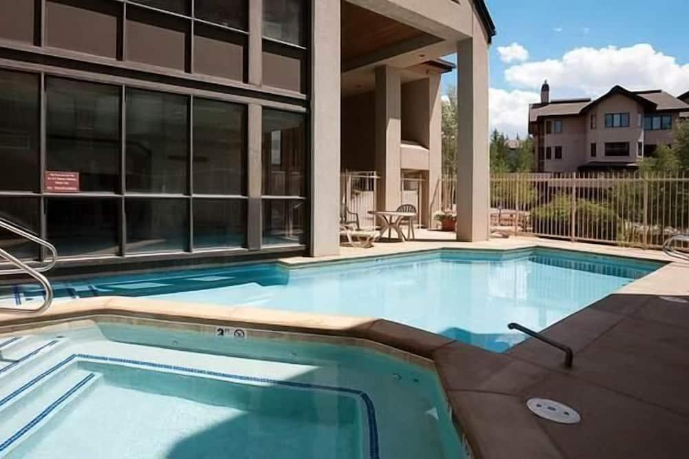 Deluxe Condo, 3 Bedrooms, Mountain View, Mountainside - Outdoor Pool