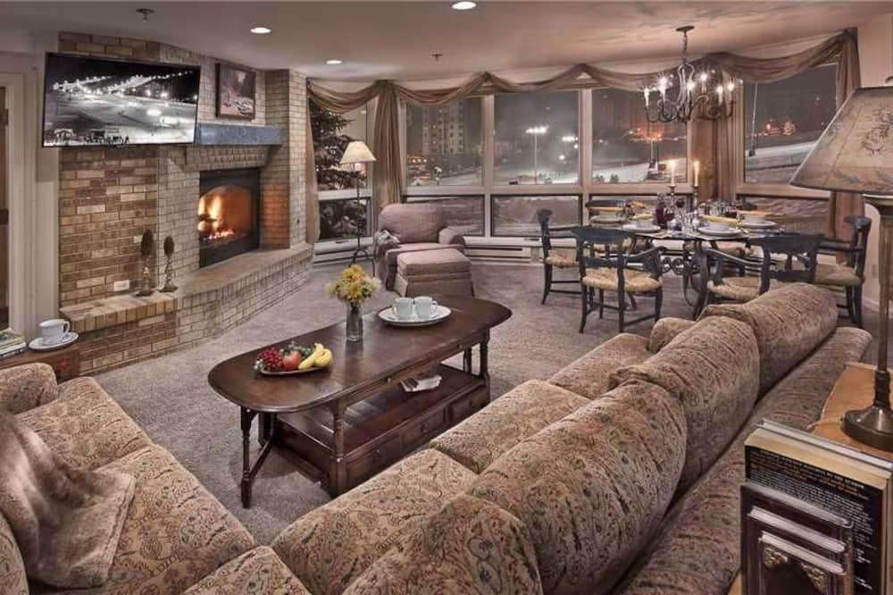 Condo, Multiple Beds, Mountain View (Epernay (#125) (Condo)) - Living Area