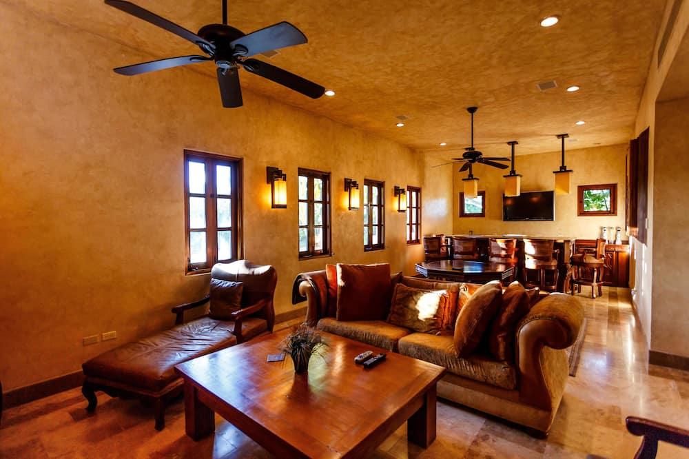 Luxury Villa, 4 Bedrooms, Partial Ocean View, Oceanfront - Living Room