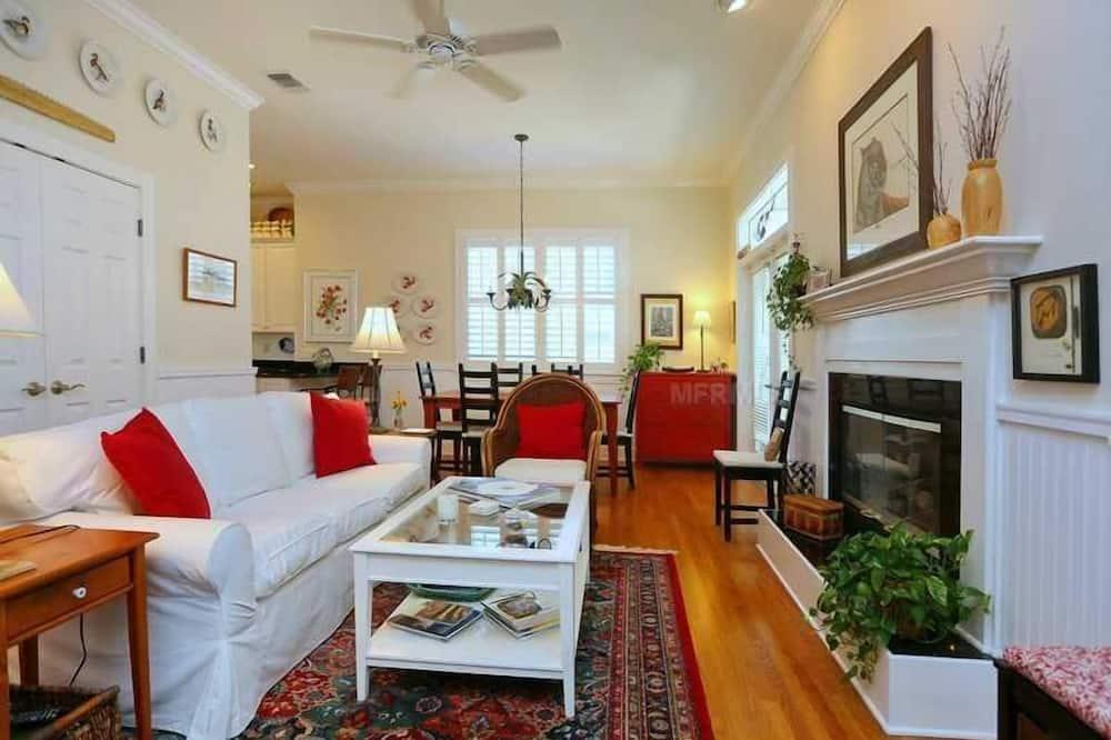 Standard Apartment, 3 Bedrooms - Living Area