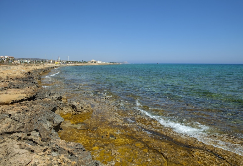 Napa Beachfront Villa, Ayia Napa, Rand