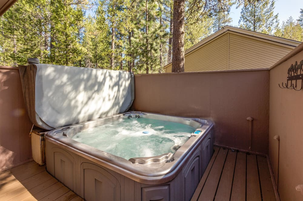Family Apartment, 3 Bedrooms - Outdoor Spa Tub