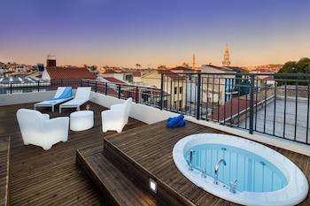 Picture of Querini Luxury Suites in Chania