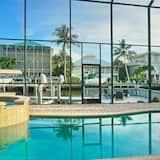 Luxury House, 5 Bedrooms, Pool View, Poolside - Indoor Pool