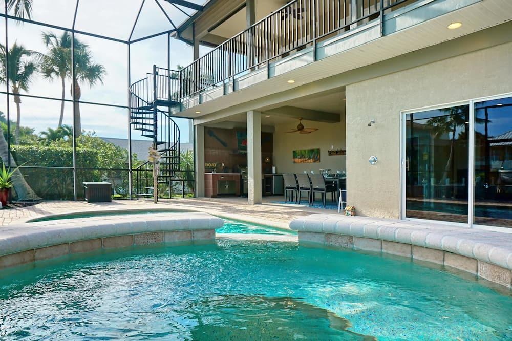 Luxury House, 5 Bedrooms, Pool View, Poolside - Outdoor Pool