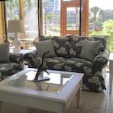 Comfort Daire, 2 Yatak Odası, Havuz Manzaralı - Oturma Alanı