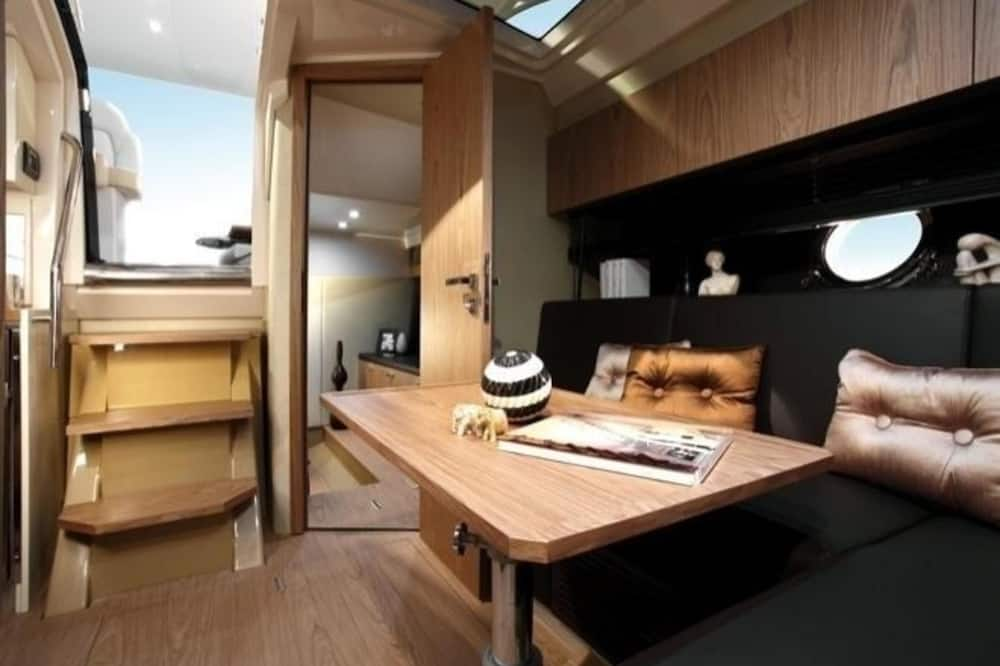Standard Apartment, 2 Bedrooms, Sea View, Sea Facing - In-Room Dining