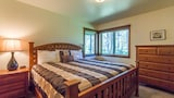 Choose This Luxury Hotel in Sunriver